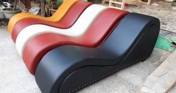 """Chiếc ghế """"gây đỏ mặt"""" này đột nhiên thành hàng hot, khách """"nổ địa chỉ"""" người bán sẵn sàng """"chiều lòng"""" ship tận cửa"""